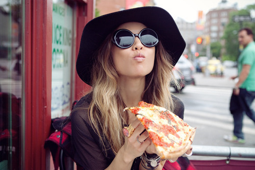delicious-eating-fashion-girl-hair-hat-Favim.com-64777